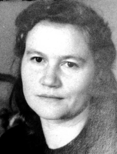 Тамара Алексеевна Мирошкина (1919 – 1995) – член Союза художников СССР с 1944 года, участница художественных профессиональных выставок с 1939 года.
